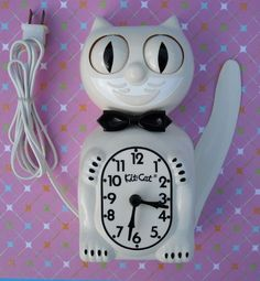VINTAGE ELECTRIC KIT CAT KLOCK-KAT CLOCK-IVORY-W/REBUILT MOTOR-ORIGINAL-FELIX Kit Kat Clock, Hama Beads, Electric, Ivory, Christmas Ornaments, The Originals, Holiday Decor, Cats, Vintage