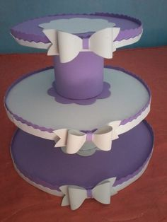 Suporte de Doces de Eva Cake And Cupcake Stand, Cupcake Cakes, Foam Crafts, Diy And Crafts, Couronne Diy, Princess Sofia Party, Sofia The First Birthday Party, Minnie Mouse Party, Mouse Parties