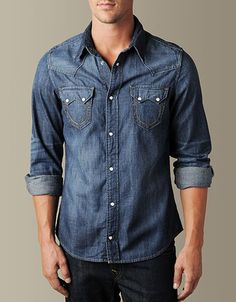 The Sean Snake Eyes shirt is characterized by its traditional western construction and premium denim fabric. Classic yoke details and embroidered...