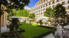 OopsnewsHotels - Hotel Le Bristol. Paris's attractions, such as Elysee Palace, Rue du Faubourg Saint-Honore and Champs-Elysees, are within easy walking distance of Hotel Le Bristol. Place De La Concorde and Grand Palais are a short walk away.