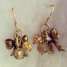 Bowtie Vintage earring