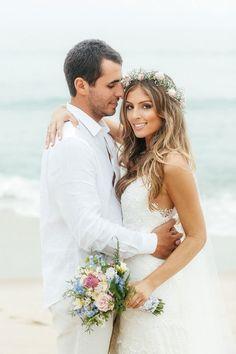 Casamento na praia | Beach Wedding | Traje para casar na praia | Inesquecível Casamento | Casamento | Wedding | Cerimônia de Casamento | Wedding Ceremony | Bride | Groom | I do | Just Married | Recém Casados