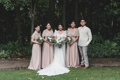 inspo bridesmaid Planning on Having a Filipiniana Wedding? Here are 9 Elements You Can Incorporate! Modern Filipiniana Gown, Filipiniana Wedding Theme, Wedding Prep, Elegant Wedding, Wedding Blog, Wedding Ideas, Wedding Themes, Wedding Inspiration, Wedding Looks