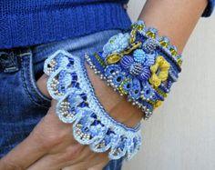 Pulsera brazalete brazalete pulsera de por SvetlanaCrochet en Etsy