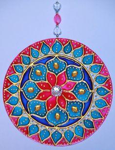 originalyexclusiva | MANDALAS Mandala Art, Mandalas Drawing, Mandala Design, Cd Crafts, Diy Crafts For Gifts, Arts And Crafts, Wooden Painting, Fabric Painting, Pista Shell Crafts