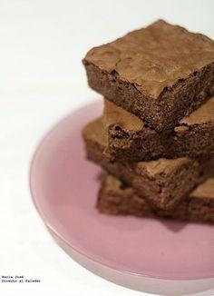No me hago responsable si os termináis haciendo adictos a esta receta de brownie de nutella, porque os aseguro que os va a costar muchísimo dejar de comer es...