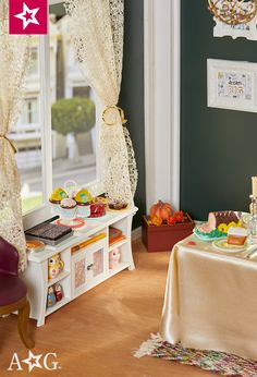 Bring some of your favorite outside elements indoors for a festive feel. American Girl House, American Girl Doll Room, American Girl Crafts, Girls Furniture, Doll Furniture, Ag Dolls, Girl Dolls, Ag Doll House, Ag Doll Crafts