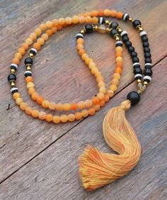 Mala necklace made ​​of 8 mm - 0.315 inch, beautiful frosted agate and faceted onyx gemstones -  look4treasures on Etsy