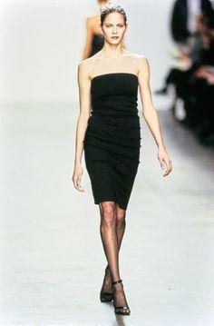 Fashion History, 90s Fashion, Couture Fashion, High Fashion, Fashion Show, Daily Fashion, Street Fashion, White Strapless Dress, Calvin Klein Collection