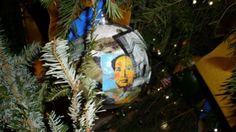 Obama has an appreciation of communist art features as well. Remember in 2009, when he had the brutal communist dictator Mao Zedong on a Christmas ball on the White House Christmas tree?