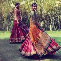 Summer is all about colours and style. These beautiful lehengas by Tarun Tahiliani are perfect for a summer bride Indian Dresses, Indian Outfits, Indian Clothes, Tarun Tahiliani, Indian Look, Indian Attire, Indian Wear, Indian Couture, Indian Designer Wear