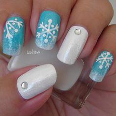 cute holiday nails.