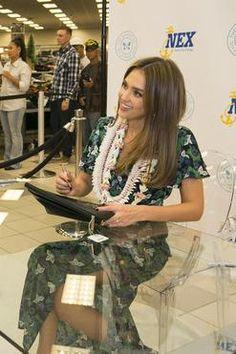 Jessica Alba wearing Saloni Josee Dress
