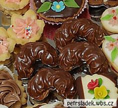 parizsky krem Christmas Cookies, Cake Decorating, Sweet Tooth, Almond, Treats, Food, Anna, Cakes, Kitchens