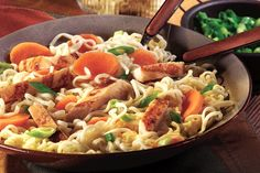 Asian Chicken Noodles: Ramen noodle soup mix adds instant Asian-style appeal to this chicken and noodles dish. Ramen Recipes, Noodle Recipes, Asian Recipes, Dinner Recipes, Cooking Recipes, Asian Foods, Asian Salads, Veggie Recipes, Recipies