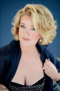 melody thomas scott 2014 - Google Search | Hairstyles ... Blonde Bob Hairstyles, Hairstyles Over 50, Feathered Hairstyles, Cool Hairstyles, Medium Hair Styles, Curly Hair Styles, Wavey Hair, Corte Y Color, My Hairstyle