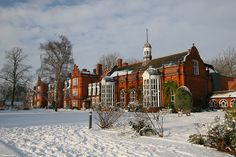 Clough Hall, Newnham College, Cambridge | Flickr - Photo Sharing! English Manor, Cambridge University, Places Of Interest, Castles, My Dream, Places Ive Been, Countryside, Globe, Oxford