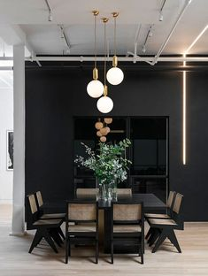 Modern Dining Room Design Ideas - Modern dining-room décor ideas: Impress your guests with these modern design ideas. Dining Room Lamps, Chandelier In Living Room, Wall Lamps, Dining Tables, Black Dining Room Table, Dining Area, Living Room Lighting Ceiling, Dining Room Feature Wall, Rattan Dining Chairs