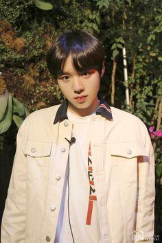 Rapper, Kpop Aesthetic, No One Loves Me, Seventeen, Parks, Korea, Photoshoot, Daisy, Fashion