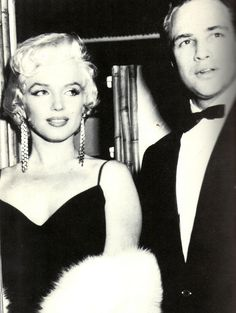Net Photo: Marilyn Monroe and Marlon Brando: Image ID: . Pic of Marilyn Monroe and Marlon Brando - Latest Marilyn Monroe and Marlon Brando Image. Viejo Hollywood, Hollywood Icons, Golden Age Of Hollywood, Hollywood Glamour, Hollywood Stars, Classic Hollywood, Old Hollywood, Hollywood Actresses, Divas