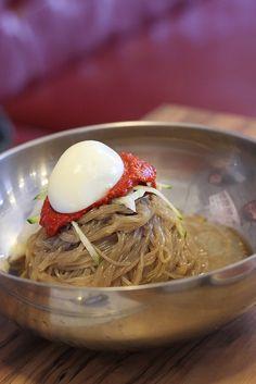 Bibim Naengmyeon (Korean spicy cold noodles)