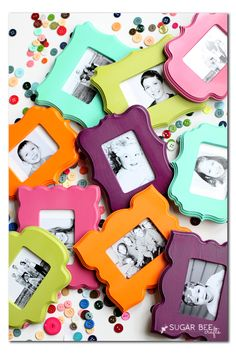 so fun and colorful! - - here's how to make Mini Frame Fridge Magnets ~ Sugar Bee Crafts maybe use colorful foam for these. Bee Crafts, Crafts To Make, Easy Crafts, Crafts For Kids, Diy Craft Projects, Craft Gifts, Diy Gifts, Cheap Gifts, Crafty Craft