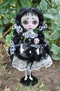 Anne Marie Gibbons Lil' Poes OOAK goth dolls and monsters.: August 2013