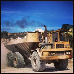 Hauling #portugal #heavyequip #heavyequipment #cat #caterpillar #dumper #vintageequipment #oldequipment #quarry entered by @ant_esp