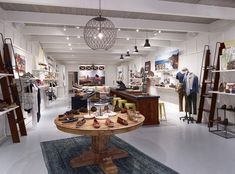 Sperry Top-Sider store by Callison, Natick – Massachusetts