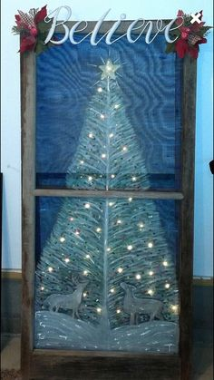 Christmas painting on window screen Painted Window Screens, Old Window Screens, Old Screen Doors, Window Art, Window Ideas, Painting On Screens, Window Screen Crafts, Christmas Wood, Christmas Signs