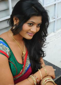 Telugu aunty with sexy HOt Looks