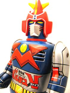 Super Robot, Tin Toys, Happy Day, Robots, Old School, Iron Man, Hobbies, Superhero, My Favorite Things