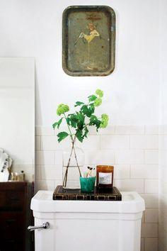 7+Simple+Ways+to+Renovate+Your+Rental's+Bathroom+via+@mydomaine