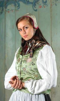 Kvinnebunad fra Ryfylke - Magasinet Bunad