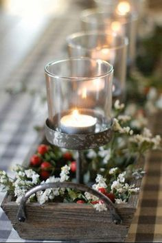 Every big-day table needs a beautiful holiday centerpiece. Check out our gallery: elegant, yet inexpensive DIY ideas, long floral embellishments for tables, cheap Christmas centerpieces and more are here! Cheap Christmas, Magical Christmas, Simple Christmas, Christmas Crafts, Homemade Christmas, Christmas Ornaments, Christmas Candles, Christmas Table Centerpieces, Christmas Table Settings