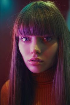 Photo: Marta Bevacqua www.langweiledich … The post Photo: Marta Bevacqua appeared first on Best Pins for Yours. Photography Words, Light Photography, Beauty Photography, Portrait Photography, Dramatic Photography, Woman Photography, People Photography, Color Photography, Macro Fotografie