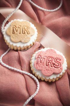 Μπισκότο βουτύρου στρόγγυλο σε σχέδιο MR  & MRS