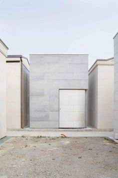 EXiT: dialogue on Architecture and Remembrance - unique and thoughtfully conceived family mausoleum in Padua, Italia