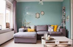 Salon nordico-vintage! Me encanta la combinación de colores