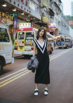 $550 Rag & Bone Black And White Tone Striped V-Neck Sleeveless Midi Dress With Black And White Sneakers Street Style Tumblr