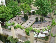 Il Giardino della Minerva è un magnifico giardino nel cuore del centro antico di #Salerno.