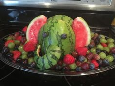 Watermelon elephant fruit tray - Home Page Baby Shower Fruit Tray, Elephant Food, Elephant Party, Fruit Art, Fun Fruit, Fruit Dips, Fruit Platters, Fruit Salads, Baby Shower Appetizers