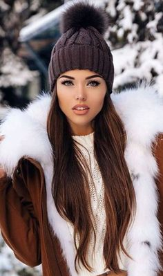 beauty, fashion, and winter image Fur Fashion, Fashion Beauty, Winter Fashion, Fashion Outfits, Fashion Trends, Fashion Black, Fashion Glamour, White Shirt Black Jeans, Cabello Color Chocolate