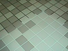 DIY Grout Cleaner Recipe 7 cups of water, cup lemon juice, cup of vinegar. Combine in a spray bottle, spray ~ let sit a few minutes, scrub! Cleaning Recipes, House Cleaning Tips, Spring Cleaning, Cleaning Hacks, Grout Cleaning, Clean Grout, Floor Cleaning, Clean Clean, Cleaning Spray