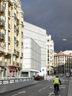 Nieto Sobejano - Barcelo Center, Madrid 2014. Photos (C) Roland Halbe.