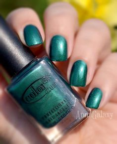 Anna Galaxy: Color Club Professional Nail Lacquer Rule Breaker + stamping