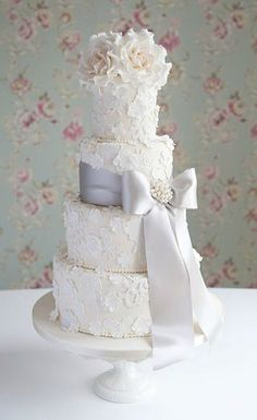 Lace & Blossom cake by Cotton and Crumbs