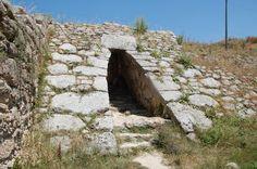Stadspoortje in de ruïnes van Oegarit. Foto: Marco in 't Veldt