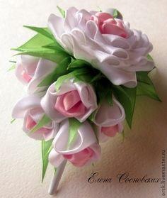 """Зажим """"Чувственная роза"""" - белый,канзаши,розы,зажим с цветами,бутоны роз"""