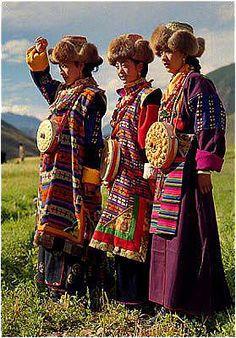 Tibetan Robe(藏袍 Zangpao) - Information on Chinese clothing, Chinese Tibetan dress, Chinese ethnical robe